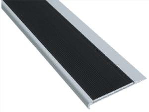 Aluminium stair nosing with corrugated aluminium insert- ST5